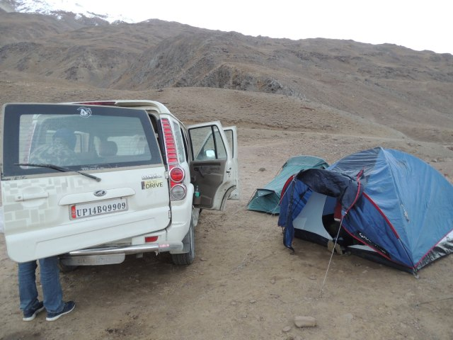 Preparing for night stays near Chanratal Lake